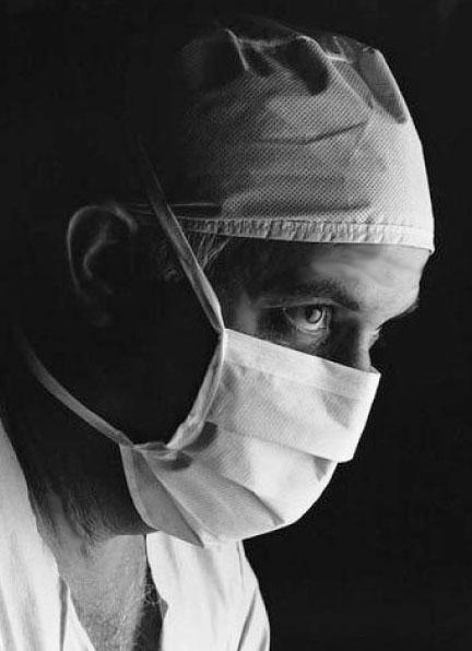 surgeonfotokorr.jpg